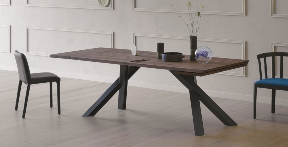 Gustave Dining Table