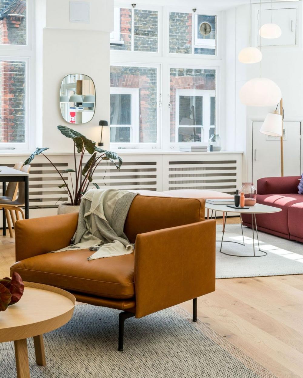 Outline sofa chair